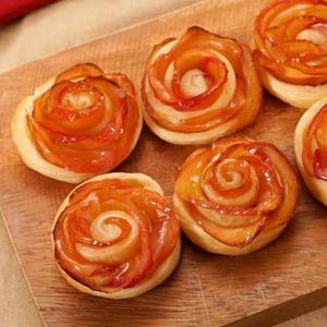 「バラのアップルパイ」のレシピ動画