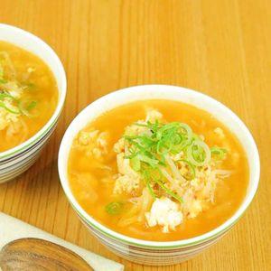 「もやしとキムチの卵スープ」のレシピ動画