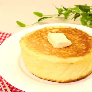 「ふかふか厚焼きパンケーキ」のレシピ動画