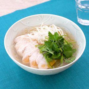 「鶏むね肉のお手軽春雨フォー」のレシピ動画