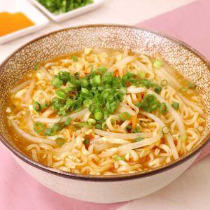 「インスタント酸辣湯麺」のレシピ動画