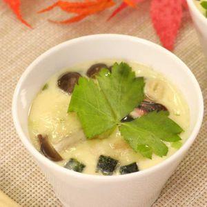 「松茸汁の素で茶碗蒸し」のレシピ動画