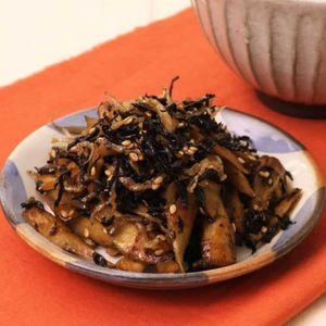 「ごぼうとひじきの炒め煮」のレシピ動画