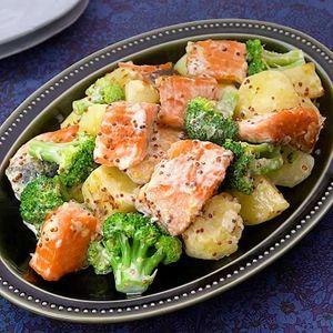 「鮭とブロッコリーのホットサラダ」のレシピ動画