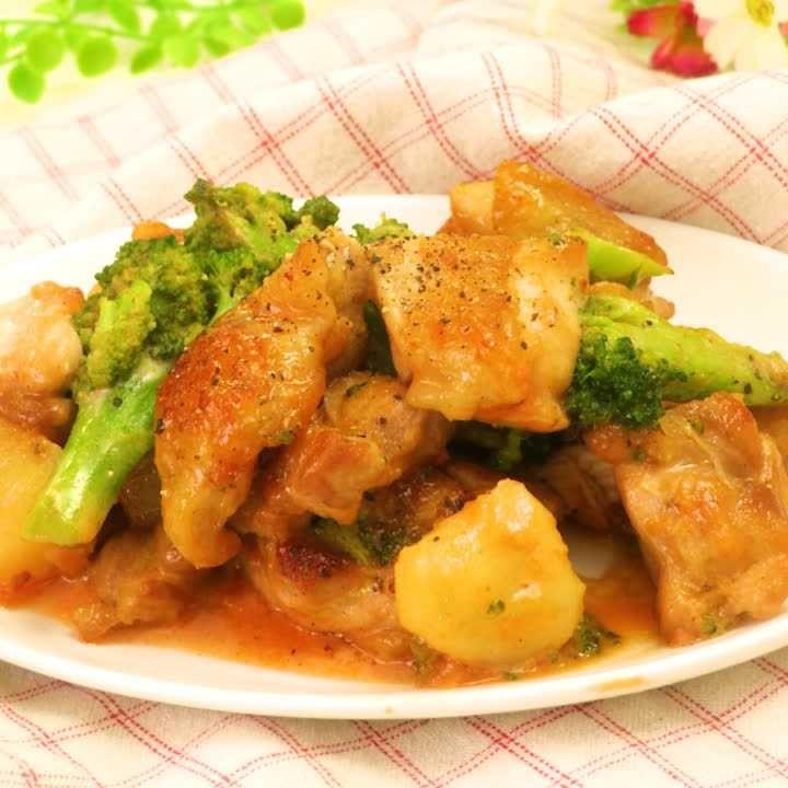 たっぷり野菜と一緒に! 鶏もも肉のオーロラソース和え