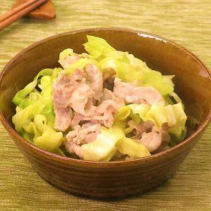 「キャベツと豚肉のしょうが和え」のレシピ動画