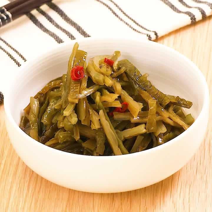 シャキシャキ食感! 茎わかめの中華風和え物