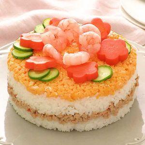 「鶏そぼろのお寿司ケーキ」のレシピ動画