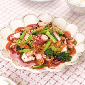 「小松菜とたこのキムチ炒め」のレシピ動画