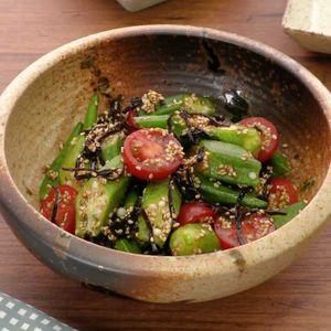 「オクラとトマトの塩昆布サラダ」のレシピ動画