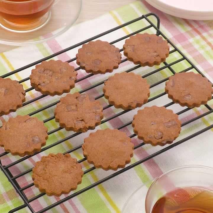 チョコ 型 抜き 切って乗せてチン!源氏パイなど市販菓子で簡単!バレンタインチョコ作り
