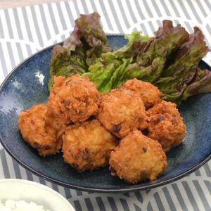 「鶏ひき肉とはんぺんのコロコロ揚げ」のレシピ動画