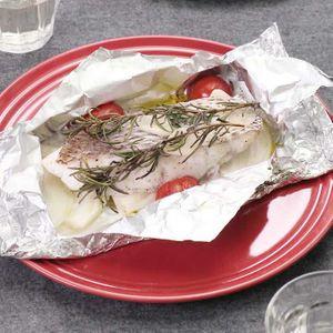 「鯛のハーブ包み焼き」のレシピ動画