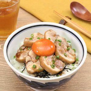 「鶏チャーシューと漬け卵の親子丼」のレシピ動画