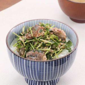 「サバ缶とおかかの簡単丼」のレシピ動画