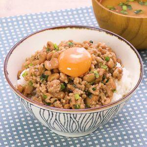 「がっつりそぼろ納豆丼」のレシピ動画