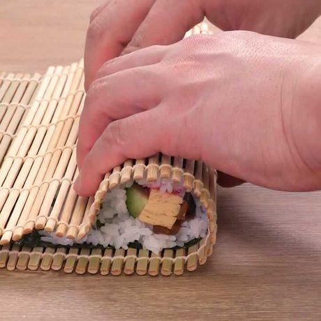 料理の基本! 巻き寿司の巻き方のレシピ動画・作り方 | DELISH KITCHEN