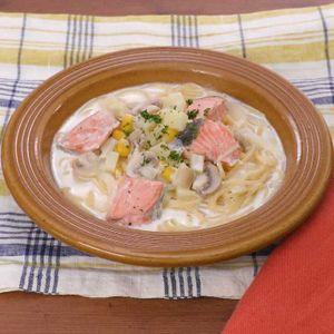 「鮭とじゃがいものクリームスープパスタ」のレシピ動画