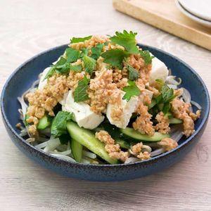 「豆腐ときゅうりの肉味噌サラダ」のレシピ動画