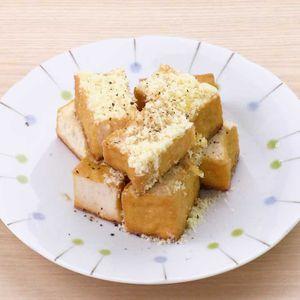 「厚揚げの粉チーズポン酢炒め」のレシピ動画